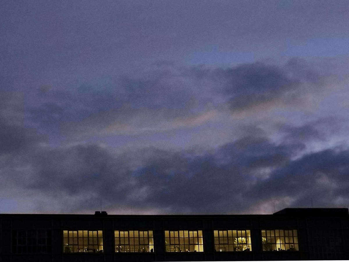 Abendhimmel mit dunklen Wolken